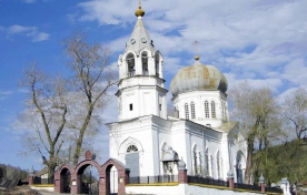 Свято-Троицкий и Воздвижения Честного Животворящего Креста храмы